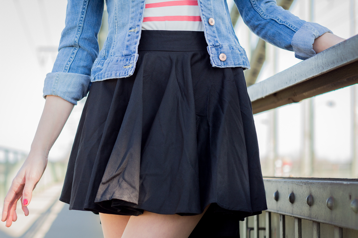 Today is the perfect day for a skater skirt! II How I met my outfit