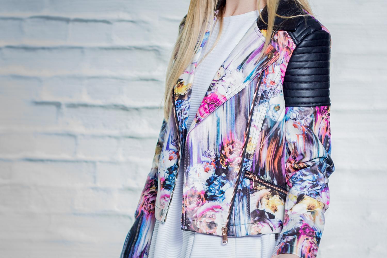 Kunstleder Biker Jacker mit floralem Muster // floral print faux leather biker jacket