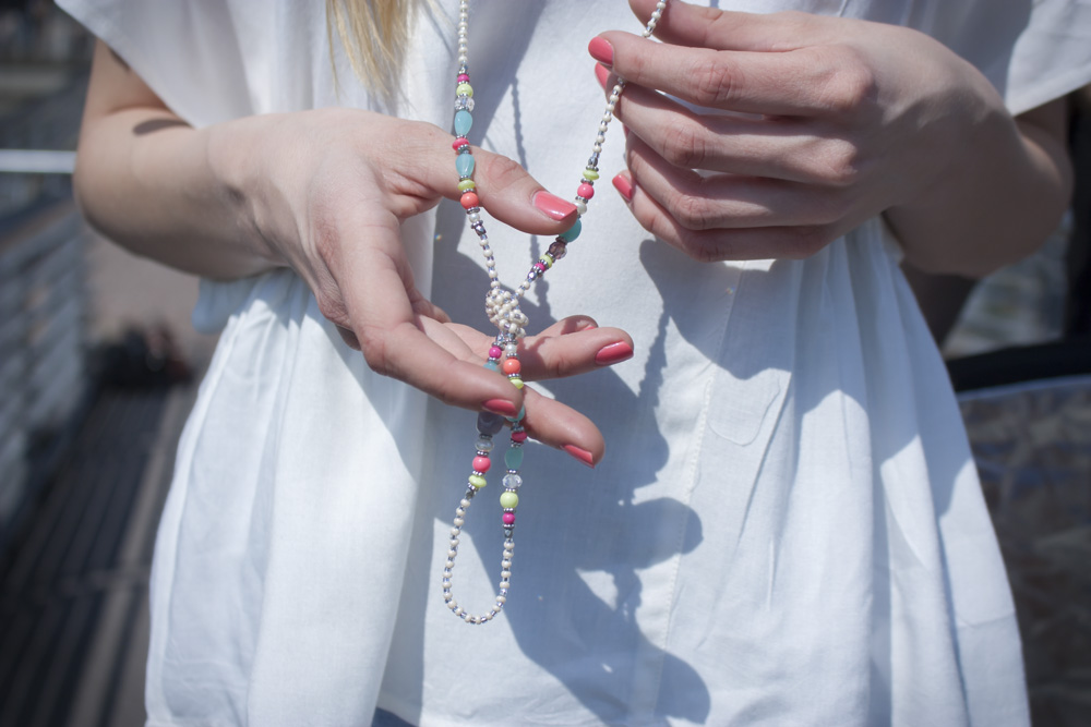 Bunte Perlenkette. // Colorful bead chain.