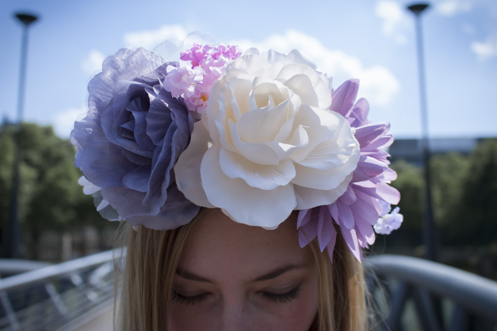 Blumenkranz. // Floral wreath.