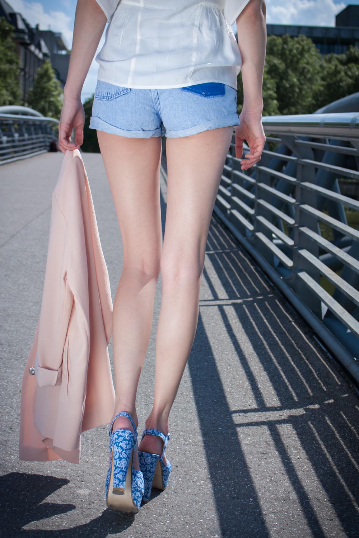 Jeansshorts Details. // Denim shorts details.