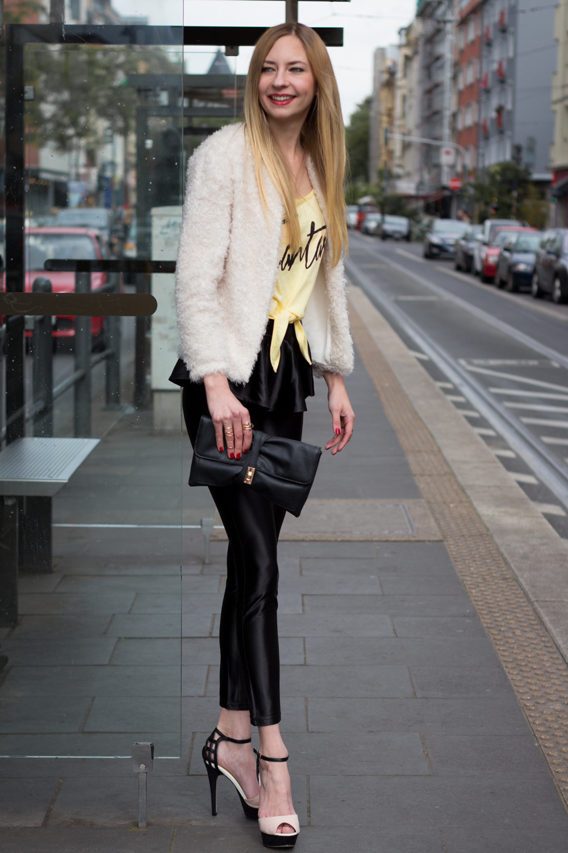 Peplum Pants & flauschige Jacke // peplum pants & fluffy jacket