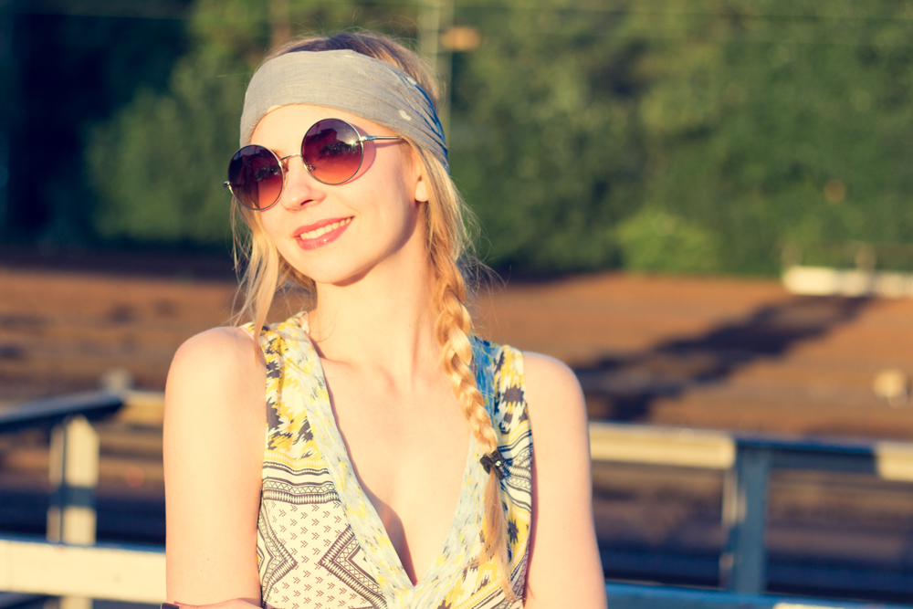 Hippie Chic Maxi Dresses: Sunshine & Sunnies