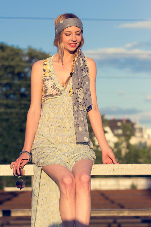 Hippie Chic Maxi Dresses: Maxikleid mit zwei Schlitzen. // Maxi dress with two slits on the sides.