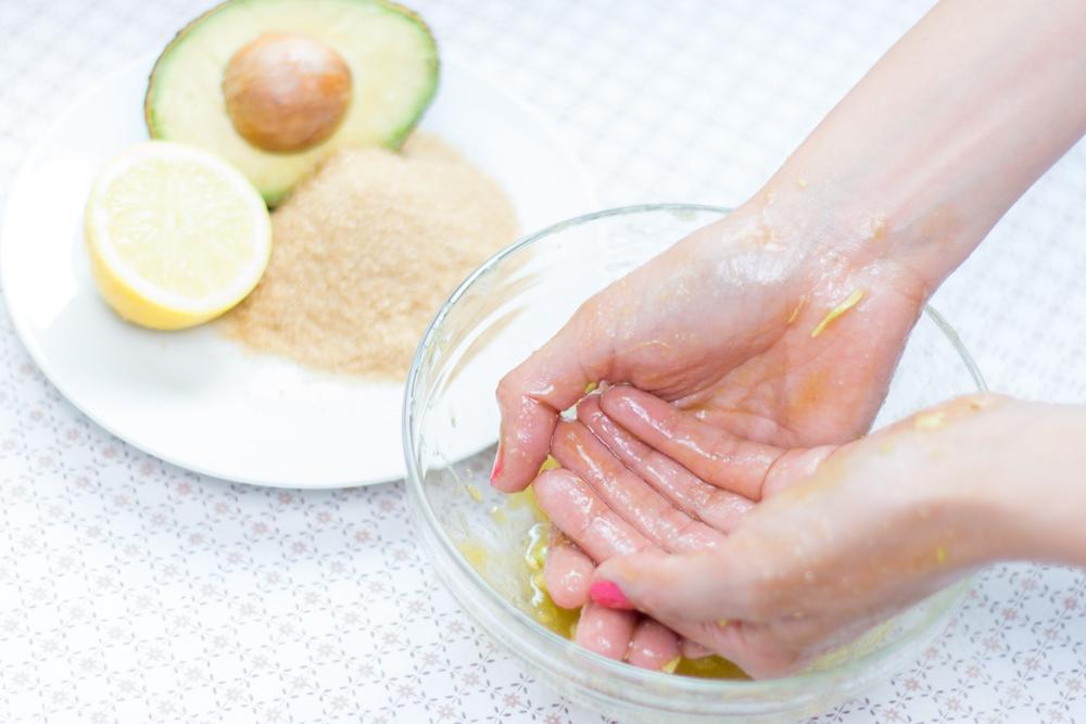 Peeling für Hände und Füße.