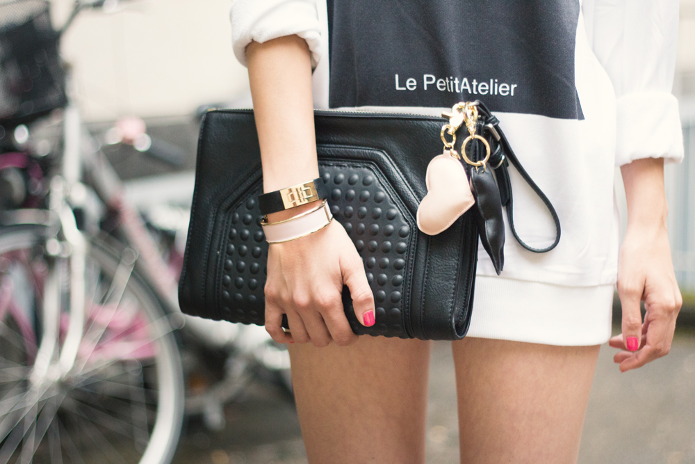 details: bracelets, clutch & heart and bear key rings