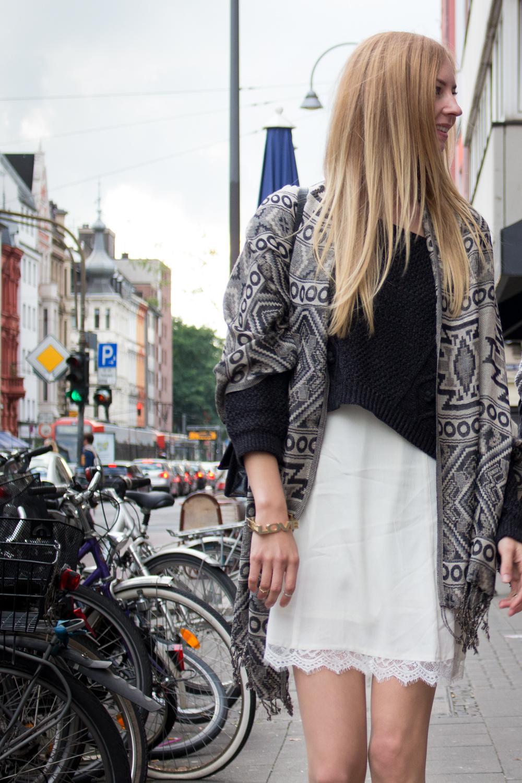 details: pullover, scarf & dress