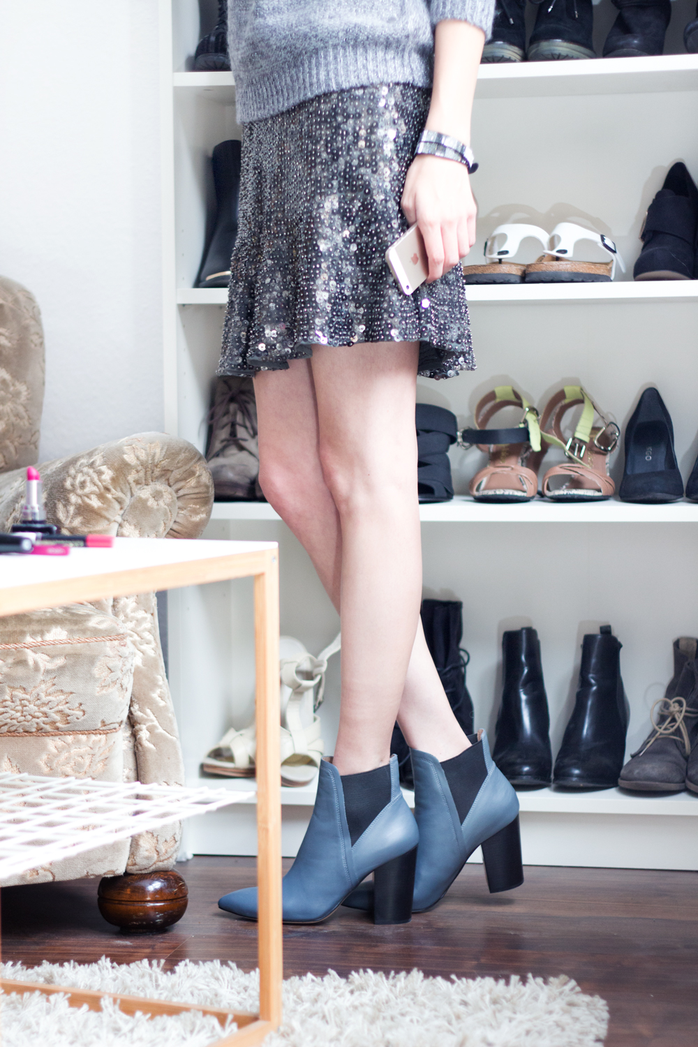 details: grey sequin skirt & grey / black ankle boots