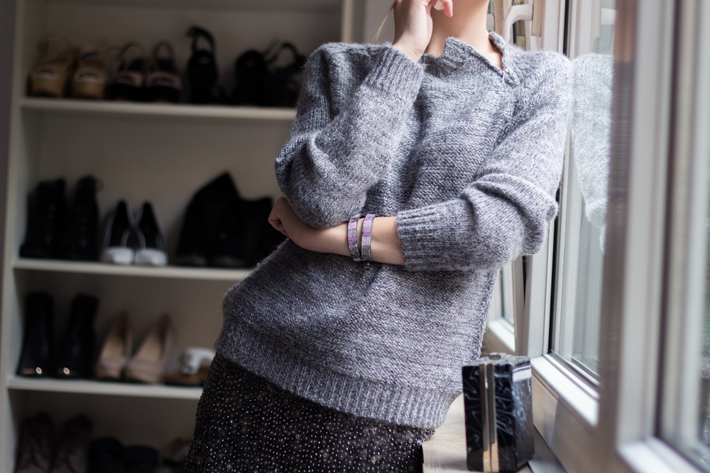 details: oversized pullover with zip