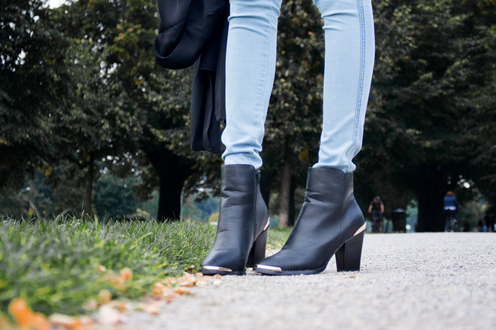 details: ankle boots