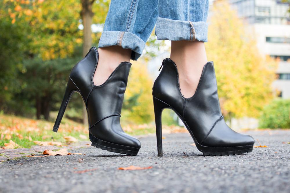details: Zara high heel ankle boots