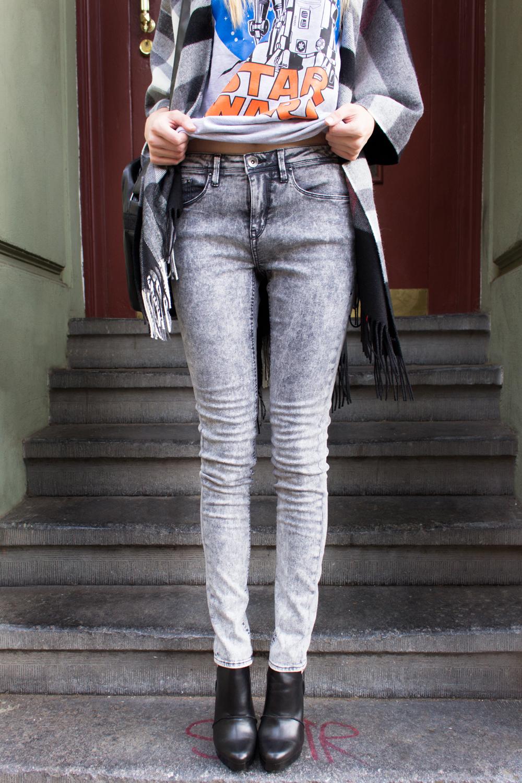 details: grey acid washed skinny jeans by Blend She