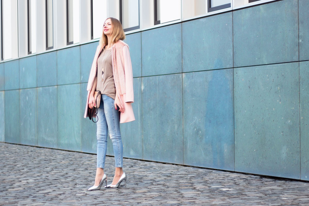 The Cotton Candy Coat II How I met my outfit