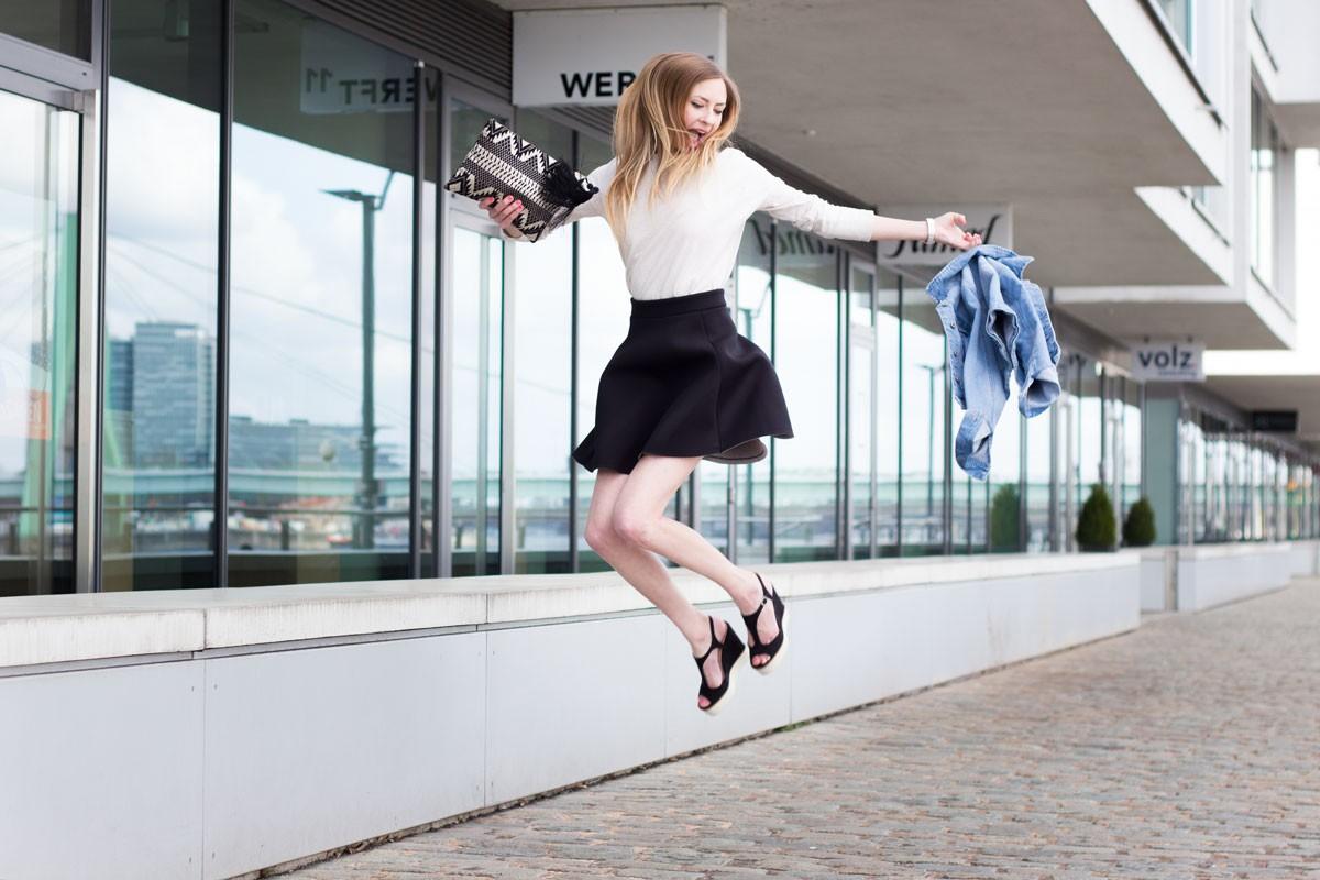 It's time for neoprene, baby! II How I met my outfit II photos: Benedikt Napolowski