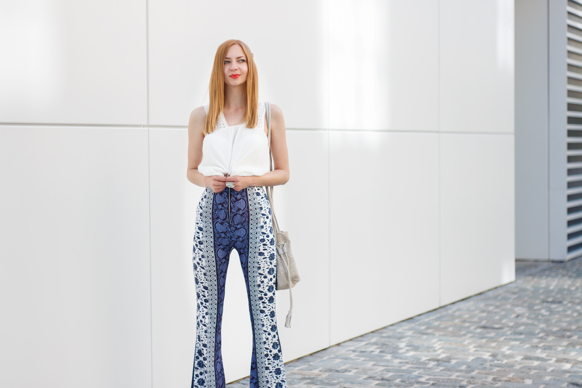 Flared Hippie Pants - The Skinny Friends of Palazzo Pants II How I met my outfit Blog II photos: Benedikt Napolowski