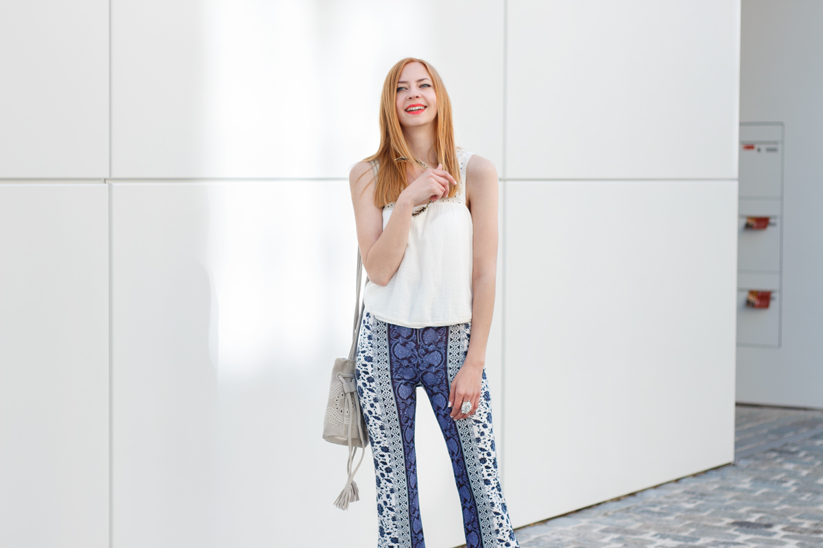 Flared Hippie Pants - The Skinny Friends of Palazzo Pants II How I met my outfit Blog by Dana Lohmüller