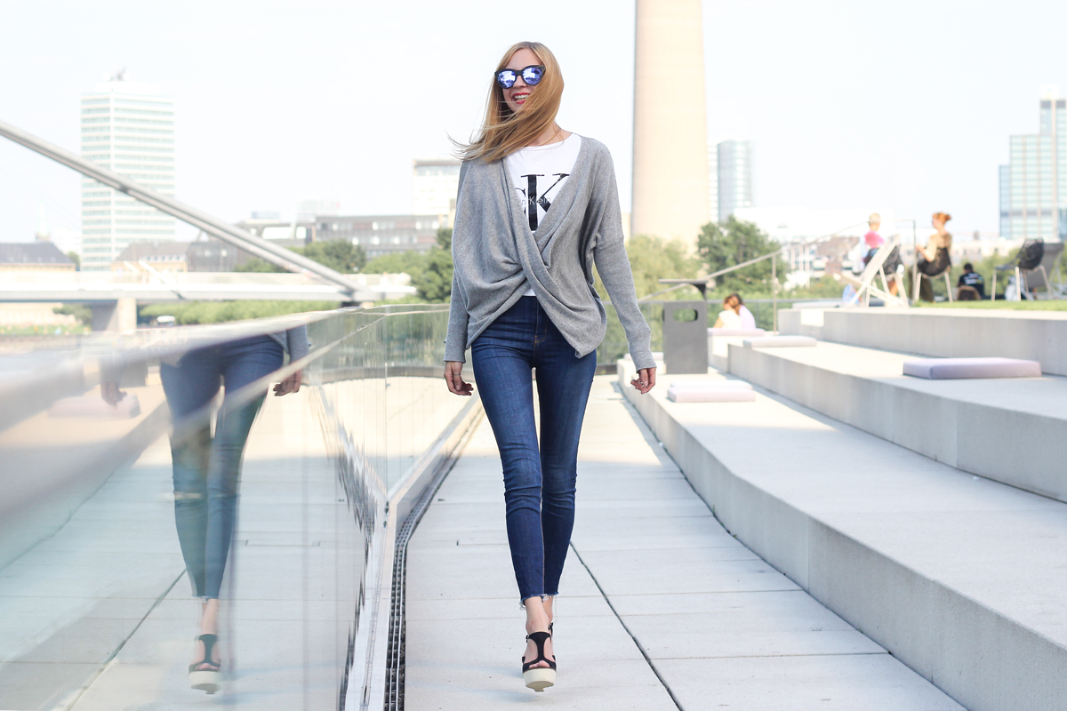 Comfort Zone: Jeans & Cozy Sweater II How I met my outfit II photos: Jeremy Möller