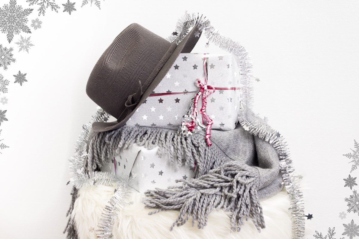 Blogger Adventskalender 2015 II How I met my outfit by Dana Lohmüller II photos: Bene Napolowski II Marc Cain Stola / Cape und Hut von Marc Cain