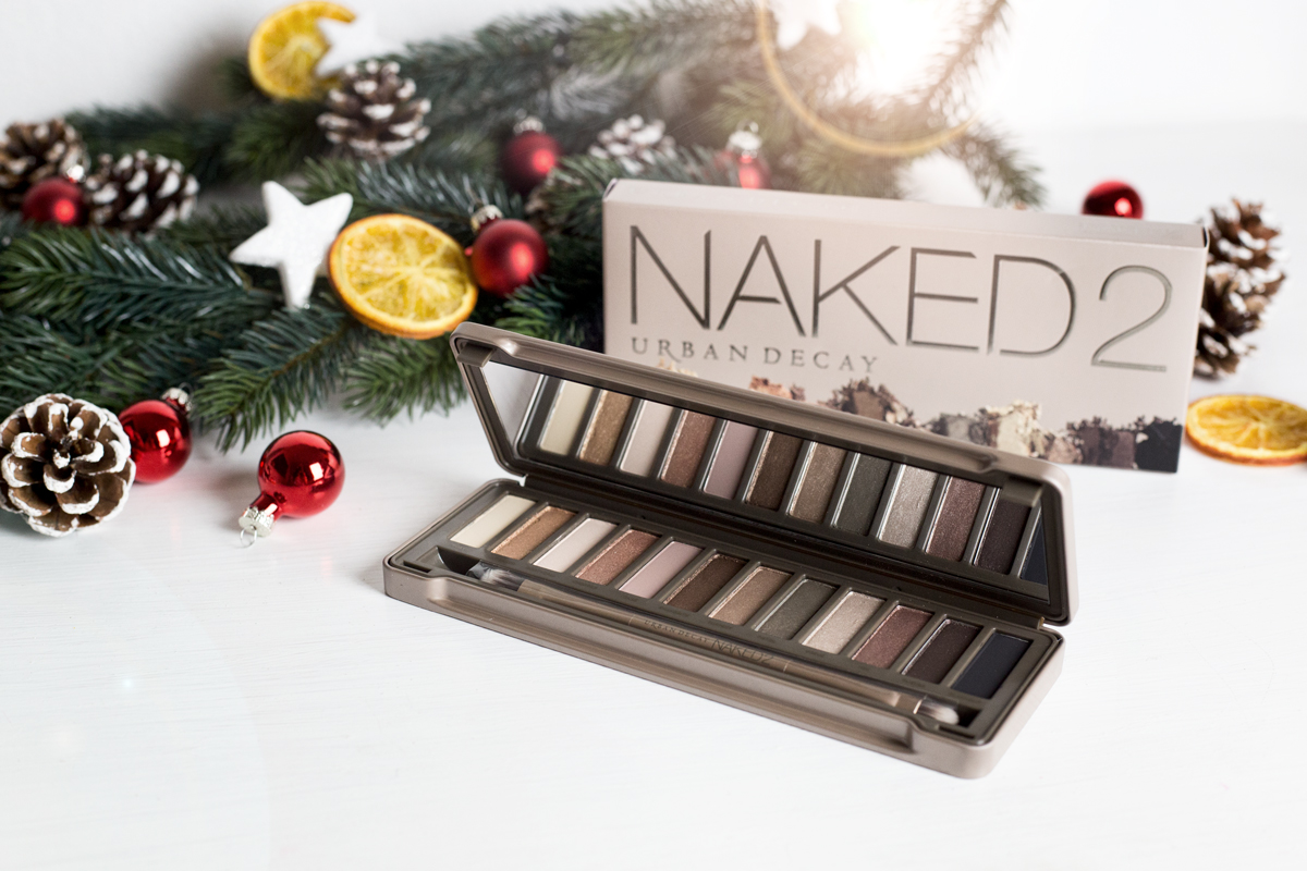 Beauty Gift Guide with Douglas | Geschenke Klassiker | How I met my outfit by Dana Lohmüller - Urban Decay Lidschatten Palette Naked2