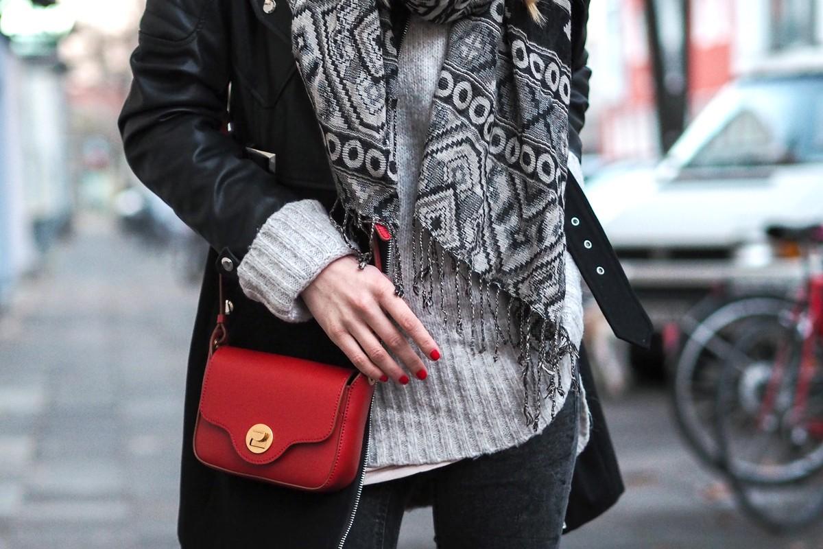 Day 18 | Coccinelle Bag via Taschenkaufhaus | Blogger Adventskalender 2016 | How I met my outfit by Dana Lohmüller